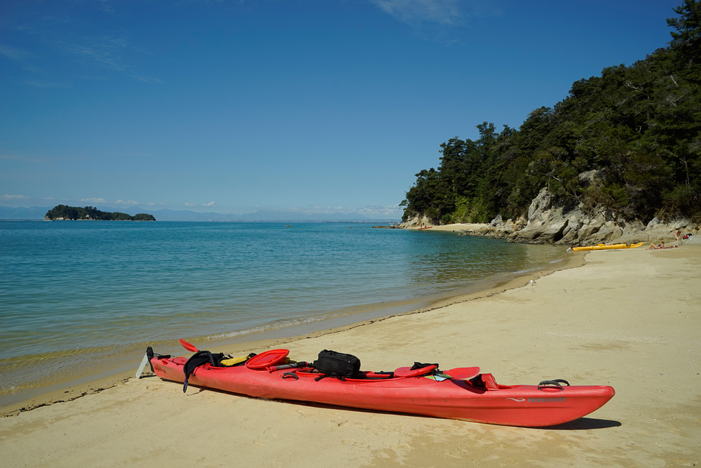 Thurs March 12   Kayaking the Tasman Bay (1/2)